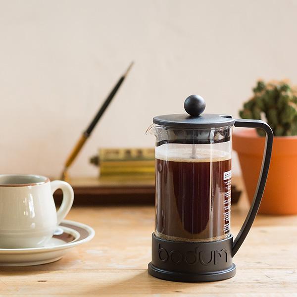 プレス コーヒー フレンチ フレンチプレスでコーヒーを入れる方法|かすの捨て方